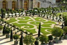 [garden+versailles.jpg]