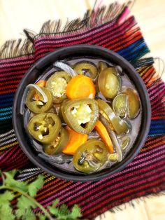 La Cocina de Leslie: Jalapeños en Escabeche (Pickled Jalapeño Peppers) #SundaySupper