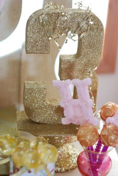 "Photo 14 of 35: Harper's Golden Birthday Party / Birthday ""{All that Glitters is Gold}"""