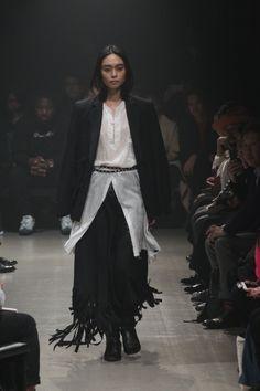 Sulvam | Mercedes-Benz Fashion Week TOKYO SS 2016 Fashion Labels, Festival Fashion, Catwalk, Mercedes Benz, Latest Fashion, Tokyo, Fashion Show, Runway, Dresses