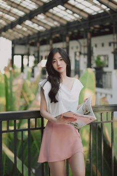 Korean girl, pretty asian, beautiful asian girls, korean fashion trends, as Pretty Asian, Beautiful Asian Girls, Korean Fashion Trends, Asian Fashion, Simple Street Style, Elegant Outfit, How To Look Classy, Ulzzang Girl, Fashion Outfits
