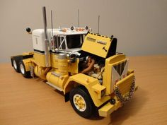 Alaska Hauler - Scale Auto Magazine - For building plastic & resin scale model cars, trucks, motorcycles, & dioramas
