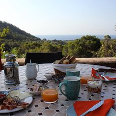 Breakfast with a view #cantalaias #ibiza #beautifulplaces #secretplaces #wonderfulplaces #vacation #summer2016 #balearicislands