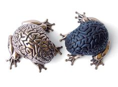 the first Bronze editions of EMILIO GARCIA XL Jumping Brain.
