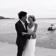 It's a love story that I really admire! Love you guys, you are the best! ❤️❤️❤️ Congrats!!! @helenabordon #casamentozeras #helenabordon