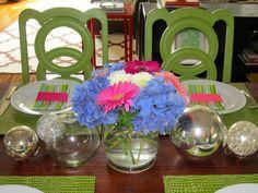 Bright & cheery brunch tabletop