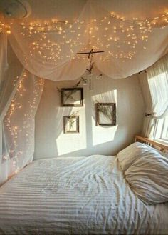 Fabric Canopy With Twinkle Lights: 20 Magical DIY Bed Canopy Ideas Will  Make You Sleep Romantic