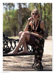 no. 000 photo: Gerardo Juárez. model: Ingrid Aver. makeup & hair: Made in Glory. stylist: Sarahí Reza. top: Nastygal, falda: Express, lentes: RayBan, kimono: Forever 21. #MapleMag #InherentNature #Nastygal #RayBan #Forever21