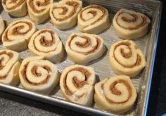 A Popular Cinnamon Roll Recipe With Vanilla Pudding: Shaped Cinnamon Rolls