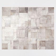 Lederteppich mit Animalprint. Aufgrund der Natur des Produkts können Farbe, Design und Größe leicht variieren.