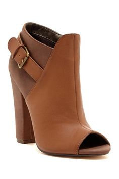 These gorgeous two tone camel pumps are on sale for $32!