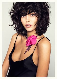 We are the parrrrty! Haircut For Thick Hair, Curly Hair Cuts, Medium Hair Cuts, Short Curly Hair, Wavy Hair, Medium Hair Styles, Curly Hair Styles, Curly Bob, Corte Y Color