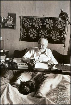 Henri Matisse & assistant cat, photo by Robert Capa