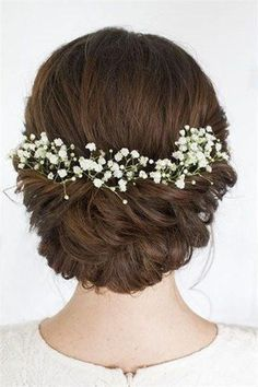 Makeup / Hair Ideas & Inspiration awesome Coiffure de mariage 2017 – soft romantic hair from Beautiful Brides Hair & Makeup Wedding Hair Flowers, Wedding Hair And Makeup, Flowers In Hair, Hair Makeup, Hair Wedding, Bride Makeup, Makeup Hairstyle, Simple Wedding Hair, Wedding Hair Updo With Veil