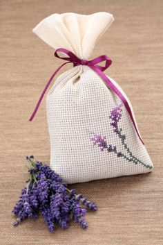 Lavender Bags, Lavender Sachets, Embroidery Stitches, Embroidery Patterns, Crochet Patterns, Potpourri, Cross Stitch Designs, Cross Stitch Patterns, Christmas Things To Do