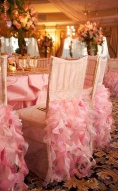 El rosa es el color la pluma la sensación la fiesta la motivación