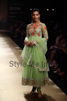 More Pallavi Jaikishan. Love the colors.