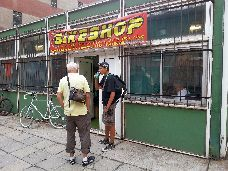 BICIKLI SZERVÍZ - a Patakparton BikeShop   TEL.: +36 30 551-2513 Maps, Basketball Court, Google, Sports, Hs Sports, Blue Prints, Map, Sport, Cards