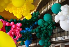 Geronimo Fills Lincoln Center with a Massive Balloon Installation for the New York City Ballet | Colossal