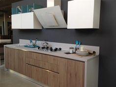 cucina creo kitchens modello ank in finitura rovere corteccia per le basi e bianco opaco