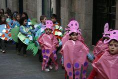 Pops disfraz de pulpos con bolsas rosas de basura | http://www.multipapel.com/subfamilia-bolsas-basura-colores-para-disfraces.htm