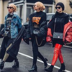 Do you like to shop with your 👯 besties ? 😍 Are you ready for pink overdose ? Write your Modern Hijab Fashion, Street Hijab Fashion, Hijab Fashion Inspiration, Muslim Fashion, Modest Fashion, Fashion Outfits, Islamic Fashion, Grunge Outfits, Women's Fashion