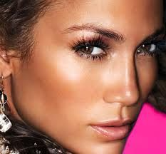 Aprende a usar los iluminadores de maquillaje