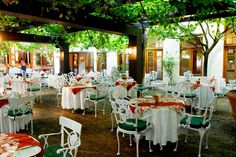 The oldest South Africa's hotel offers renovated superior and deluxe room and new gourmet twist menu in the restaurant. The hotel is perfect for accommodation in premier wine region of South Africa - a perfect destination for wine tourism. Unique Hotels, Beautiful Hotels, Wine Tourism, Restaurant Tables, Luxury Holidays, Hotel Offers, South Africa, Table Decorations, Cape Town