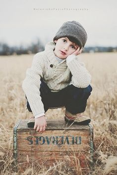 Fashion Kids Boy Pictures New Ideas Little Boy Photography, Children Photography Poses, Kids Fashion Photography, Toddler Photography, Autumn Photography, Fashion Kids, Little Boy Fashion, Style Fashion, Boy Pictures