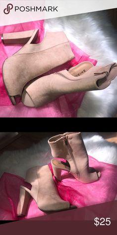 067f1f61f16 Open toe shoes worn once Open toe shoes - heels Lola Shoetique Shoes Heels