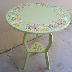 Bauernmalerei | Flickr - Photo Sharing! Decoupage Wood, Decoupage Furniture, Hand Painted Furniture, Refurbished Furniture, Paint Furniture, Upcycled Furniture, Furniture Makeover, Cute Furniture, Country Furniture