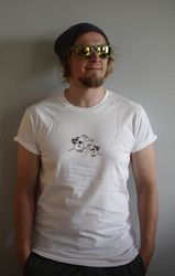 Armas Rullahiha t-paita Gentlemanneille. Luomupuuvillaa. Gentlemen's Armas t-shirt. Ecologically and ethically produced. Organic cotton.
