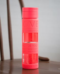 Release Date: 4/2015. Original Price: $28. Color: electric coral. Why we made this With a silicone sleeve to help protect the high-grade glass, this water bottle is durable but breakable by nature. Our ideal companion for yoga classes and long walks on the beach, we treat it like a precious present handle with care. Key features high-grade Japanese glass is delicate handle with care BPA-free means harmful chemicals won't make their way from this bottle into your body sil Cute Water Bottles, Best Water Bottle, Glass Water Bottle, Running Accessories, Women's Accessories, Purple Crafts, Birthday Wishlist, Athletic Outfits, Lululemon Athletica