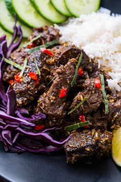 An easy to make authentic Indonesian/Malaysian beef curry that just melts in your mouth! Ninja Recipes, Snack Recipes, Cooking Recipes, Veal Recipes, Asian Recipes, A Food, Good Food, Food And Drink, Beef Rendang Recipe