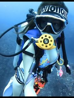 スキューバダイビングをする中華系女性ダイバー scuba diver Scuba Girl, Sport Girl, Snorkeling, Scuba Diving, Kayaking, Underwater, Cool Girl, Burns, Swimsuit
