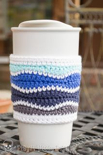 coffee cozy Brain Waves Coffee Cozy - free crochet pattern (with link to matching beanie pattern) by Liz McQueen. Crochet Coffee Cozy, Crochet Cozy, Crochet Gifts, Easy Crochet, Coffee Cup Cozy, Crochet Slippers, Sewing Patterns Free, Crochet Wave Pattern, Rugs