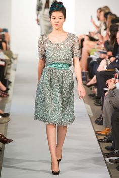 Oscar de la Renta Spring 2013 Ready-to-Wear Fashion Show - Karlie Kloss