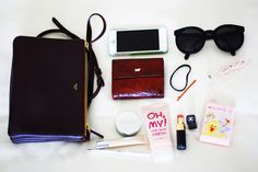 What's in my Celine trio bag? What In My Bag, What's In Your Bag, Inside My Bag, What's In My Purse, Girl Fashion, Mens Fashion, You Bag, Celine, Sunglasses Case