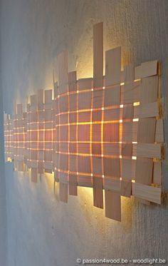 Lámpara de láminas de madera