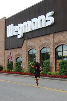 Seriously all foodies who have been to Wegmans won't move anywhere there isn't one nearby.