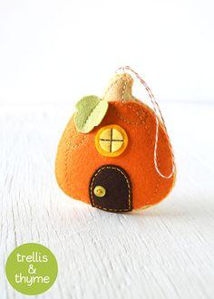 PDF Pattern - Pumpkin Cottage Ornament Pattern, Halloween Felt Ornament Pattern, Autumn Felt Softie Sewing Pattern