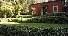 Clima romântico. Fundado em 1945, o restaurante Os Esquilos, em plena Floresta da Tijuca, fica em um casarão colonial