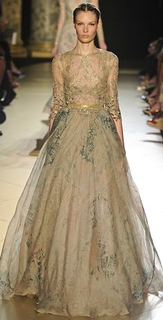 This would make a spectacular Autumn wedding gown (Elie Saab).