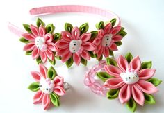 Kanzashi fabric flowers . Set of 3 pieces. Pink and apple green