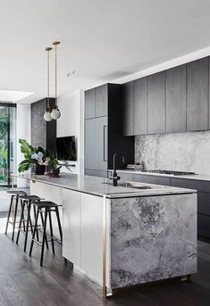 Luxury Kitchen The Block's Alisa and Lysandra worked their magic with a modern revamp of a heritage home in Melbourne's Albert Park. - The Block's Alisa and Lysandra worked their magic with a modern revamp of a heritage home in Melbourne's Albert Park. Home Decor Kitchen, Interior Design Kitchen, New Kitchen, Awesome Kitchen, Kitchen Modern, Contemporary Kitchen Island, Modern Farmhouse, Kitchen Black, Scandinavian Kitchen