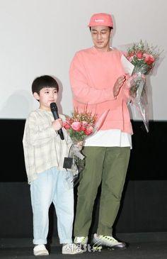 Be With You / So Ji Sub / Son Ye Jin Celebrity Smiles, So Ji Sub, Drama Movies, Korean Actors, Jin, Rain Jacket, Windbreaker, Celebrities, Dramas