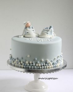 Make sure you get a cake for the shower which reflects just that! We have collected 25 baby shower cake ideas for boys! Torta Baby Shower, Baby Shower Cakes For Boys, Baby Boy Cakes, Baby Boy Shower, Gateau Baby Shower Garcon, Baby Christening Cakes, Baby Birthday Cakes, Shower Bebe, Cute Cakes