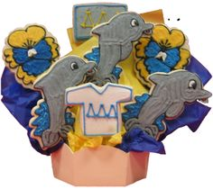 Tri Delta cookie bouquet Sorority Party, Sorority Gifts, Delta Girl, Tri Delta, Cookie Bouquet, Lucky Girl, Photo Backgrounds, Cute Food, Decorated Cookies
