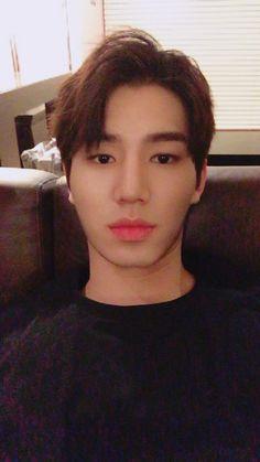 Kim Jae Yong 김재용 || Halo || 1994 || 185cm || Vocal
