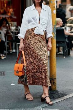 Oversized button down shirt with long leopard skirt and strappy sandals Fashion Mode, Fashion Outfits, Womens Fashion, Fashion Skirts, Fashion Hats, Fashion Trends, Skirt Outfits, Casual Outfits, Oversized Button Down Shirt